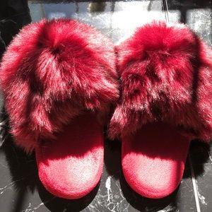 Faux fur slippers maroon/Bordeaux color